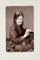 Fotografiporträtt på Malwine von Arnim-Kröchlendorff, syster till Otto von Bismarck - Hallwylska museet - 107778.tif