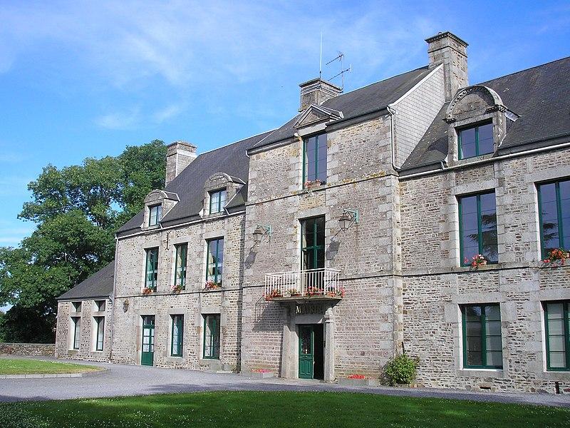 Montbray (Normandie, France). Le château, aujourd'hui mairie.