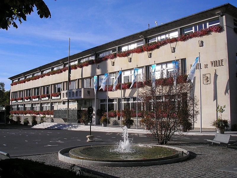 Saint-Lô (Normandie, France). L'hôtel de ville.