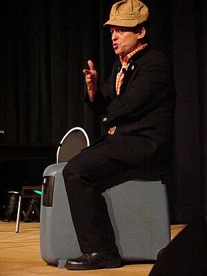 Frank-Markus Barwasser - Frank-Markus Barwasser as Erwin Pelzig, wearing a corduroy hat.