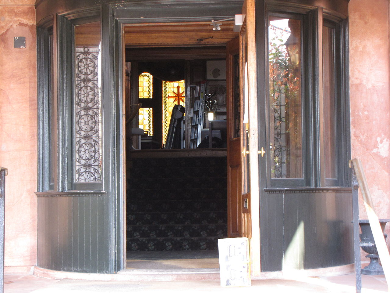 Door Propped Open : File fraser mansion with front door propped open g