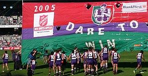 Peter Bell (Australian footballer, born 1976) - Image: Fremantle running through banner