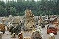 Głazy z nazwami miejscowości, z których pochodzą ofiary.2.jpg