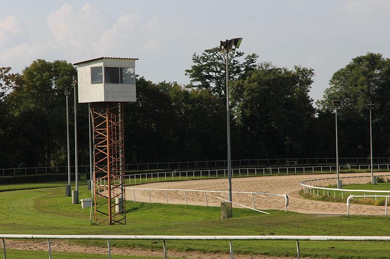 File:Galopprennbahn Dortmund 012.JPG - Wikimedia Commons