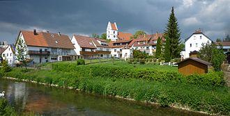 Gammertingen - Image: Gammertingen Lauchert mit Stadtansicht und Kirche