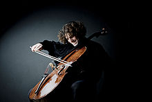 Lipkind plays the Zihrhonheimer cello in 2008