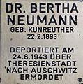 Gedenkstein für Dr. Bertha Neumann.JPG