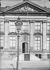 gemeente museum ) middenpartij gevel -