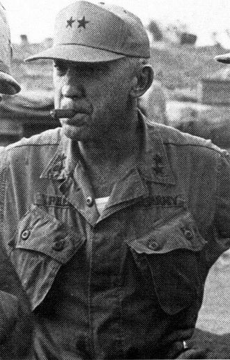 Battle of Dak To - Major General William R. Peers, commander of the 4th Infantry Division and overall U.S. commander at Đắk Tô