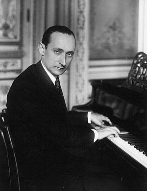 Georges Dandelot - Georges Dandelot et the piano at the École Normale de Musique de Paris in 1925