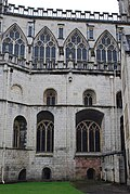Gloucester Cathedral (Holy Trinity) (15168934762).jpg