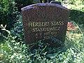 Grabstein von Herbert Stass.jpg