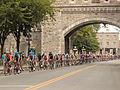 Grand Prix Cycliste de Québec 2012, Peloton-City Gate (7957889930).jpg