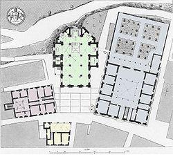 כיכר פיוס השני: הדואומו בירוק, ארמון פיקולימיני וגן הרנסאנס באפור, ארמון העירייה בצהוב וארמון הבישוף בוורוד