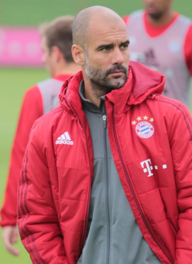 652px-Guardiola_training_cropped.jpg