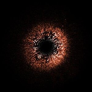 HD 107146 - Image: HD 107146 falsecolour