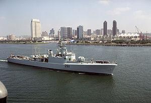 HMCS Mackenzie (DDE 261) at San Diego 1992.JPEG
