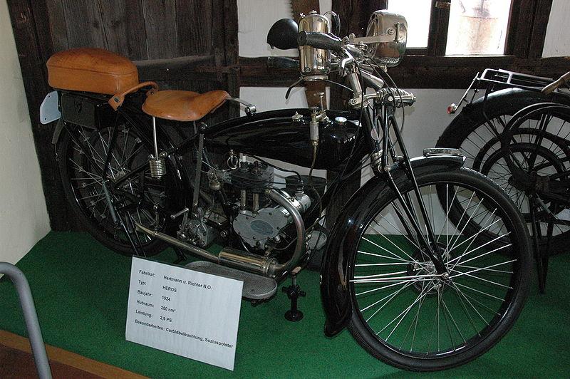 Heros Motorrad-Motoren- & Getriebebau 800px-Hartmanundrichter