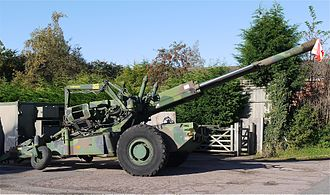 Bofors scandal - Haubits FH77 howitzer, of the type around which the Bofors scandal centered.
