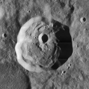 Henry Frères (crater) - Image: Henry Freres crater 4161 h 1