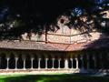 Het klooster van de Abdijkerk Saint-Pierre te Moissac 1, Frankrijk 2013.jpg
