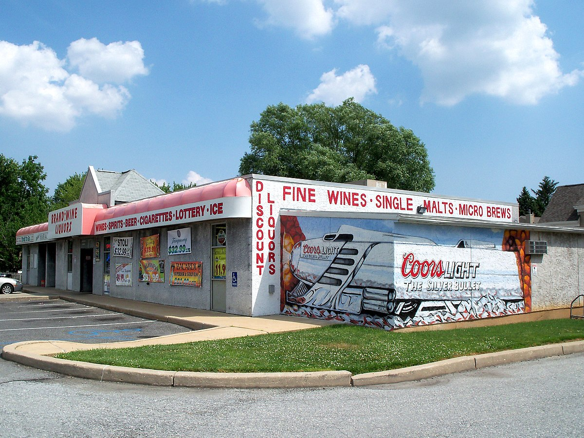 Highest elevation liquor store in Delaware - panoramio.jpg