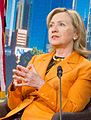 """Hillary Clinton """"Merkel-Raute"""" 2.jpg"""