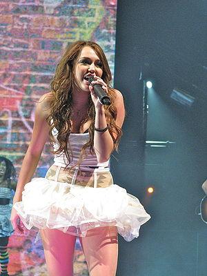 "Hoedown Throwdown - Cyrus performing ""Hoedown Throwdown"" in the Wonder World Tour."
