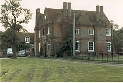 Hoggeston Manor House (now Manor Farm) and family continuity - geograph.org.uk - 891049.jpg
