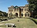 House of founder of Pakistan Mohammad Ali Jinnah & his sister Fatima Jinnah 08.jpg