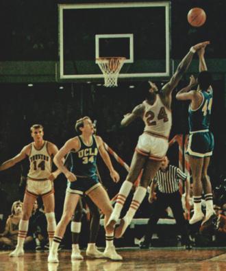 Michael Warren (actor) - Warren (right) shooting ball in Game of the Century in 1968