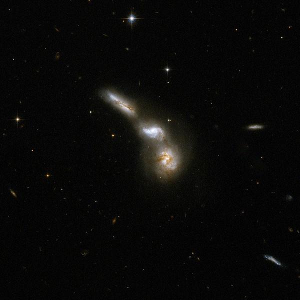 File:Hubble Interacting Galaxy ESO 255-7 (2008-04-24).jpg