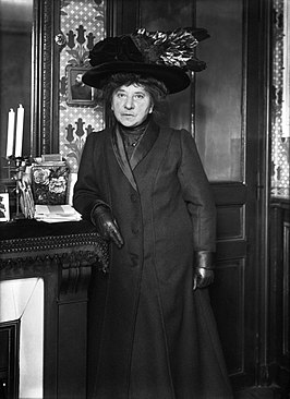 Hubertine Auclert in 1910