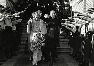 Meinoud Rost van Tonningen - Meinoud Rost van Tonningen married Florentine Heubel in 1940