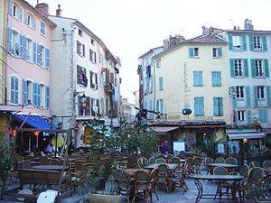 Hyères - Place Massillon, Hyères.