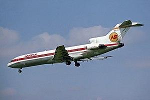Iberia Boeing 727-256 Adv EC-CBA.jpg