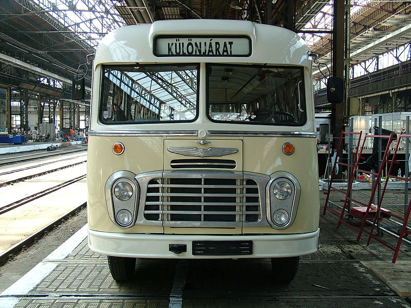 Venir en bus à Budapest : Plus confortable aujourd'hui qu'en 1960. Photo de granada_turnier