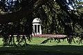 Il parco di Villa Olmo - tempietto.jpg