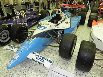 1995 Indianapolis 500 - Image: Indy 500winningcar 1995