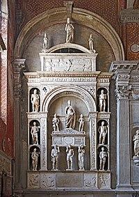 Interior of Santi Giovanni e Paolo (Venice) - Monumento del doge Pietro Mocenigo - Pietro Lombardo.jpg