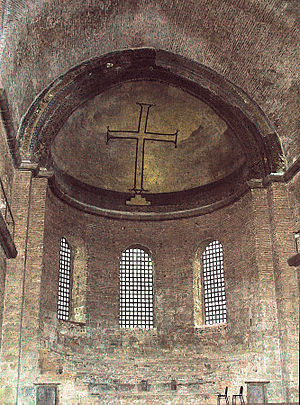Byzantine Iconoclasm - A simple cross: example of iconoclast art in the Hagia Irene Church in Istanbul.