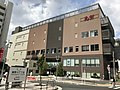 Itabashi-east-station-building2020-09.jpg
