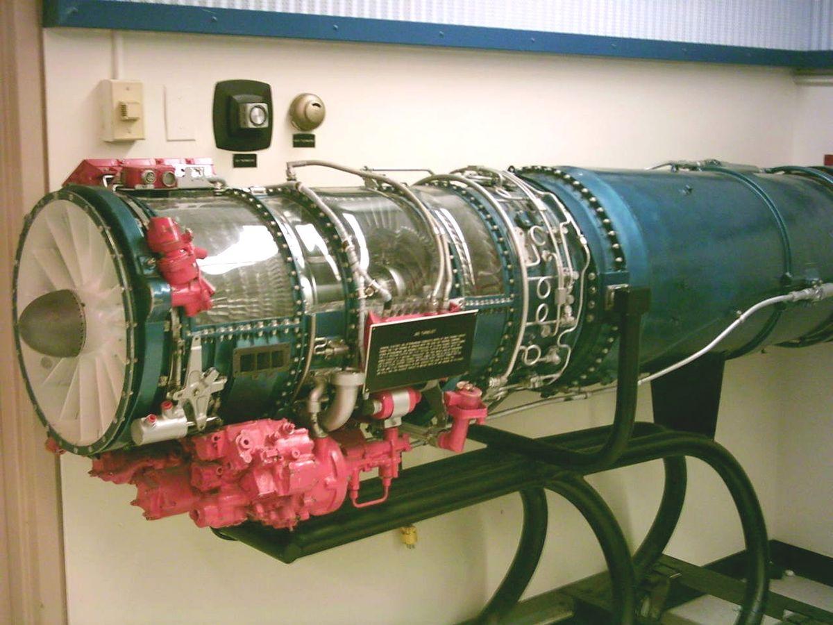 General Electric F118