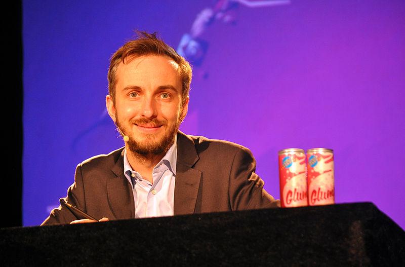 File:Jan Böhmermann in Rostock 2014 09.jpg