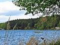 Jezioro Wdzydze, samotna łódź.jpg