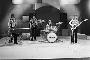 Jigsaw (band) - Jigsaw (1975)