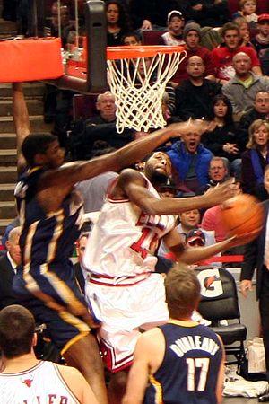John Salmons of the Chicago Bulls vs Pacers, D...