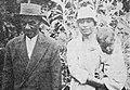Juan Tepano, el artista de la Isla con su esposa y un hijo, 1927.jpg