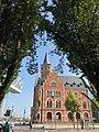 Köln Rheinauhafen Hafenamt mit Bäumen.jpg