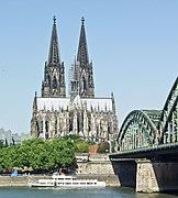 Kölner Dom von Deutzer Seite.jpg